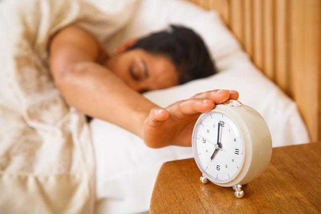 cara-mengatasi-insomnia-gangguan-tidur-dengan-metode-relaksasi